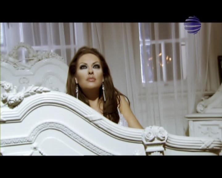 80,7 мб. смотреть онлайн видео Ивана - Падни на колене.